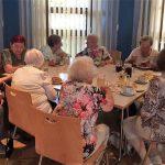 Kaffee und Kuchen beim Seniorennachmittag