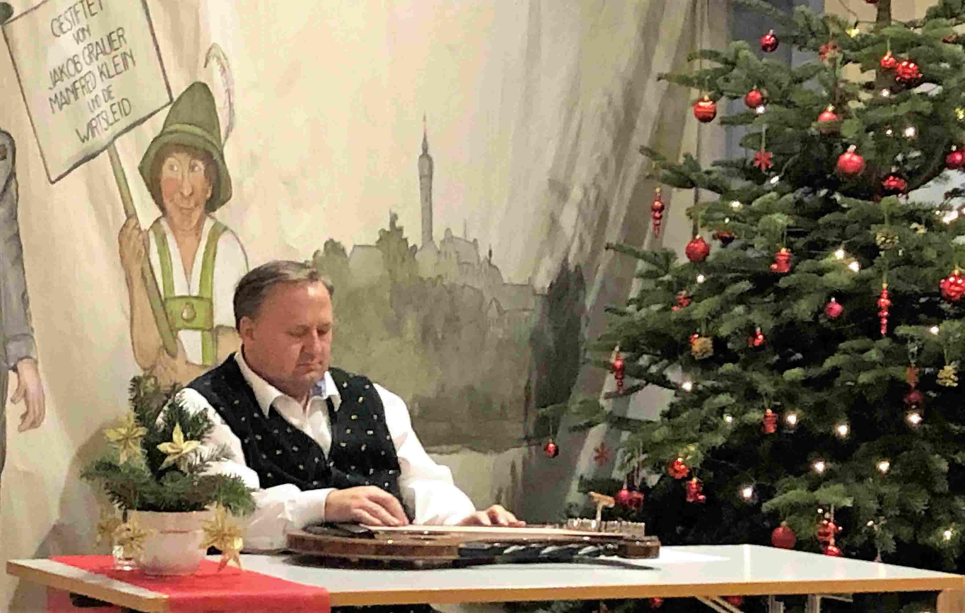 WO Weihnachtsfest 2018 Musiker Robert Gasteiger