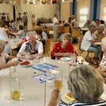 AWO Seniorinnen bei Kaffee und Kuchen