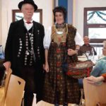 Edgar mit Renate in Dachauer Tracht